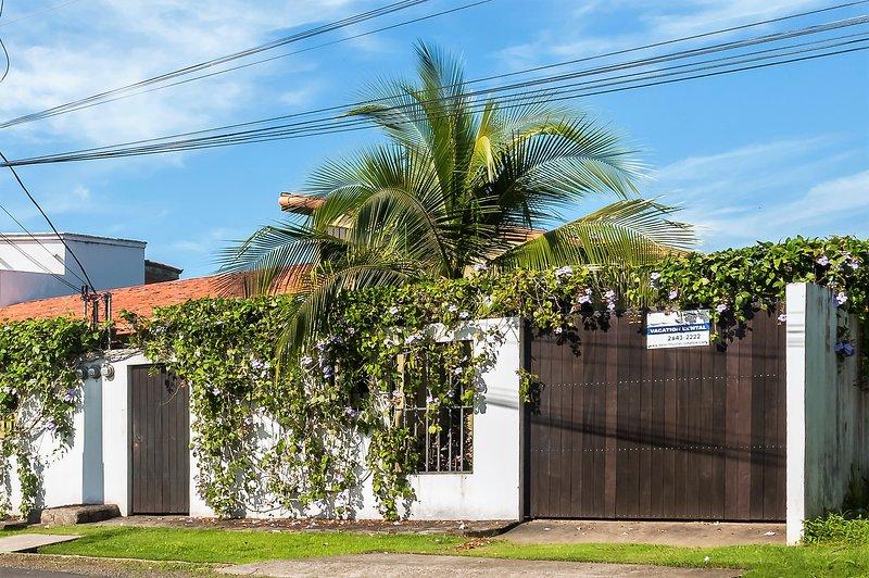 Street view of Casa Gris