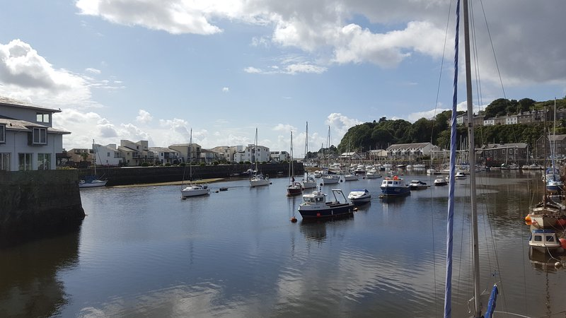 Fabulous Harbourside Apartment, vacation rental in Porthmadog