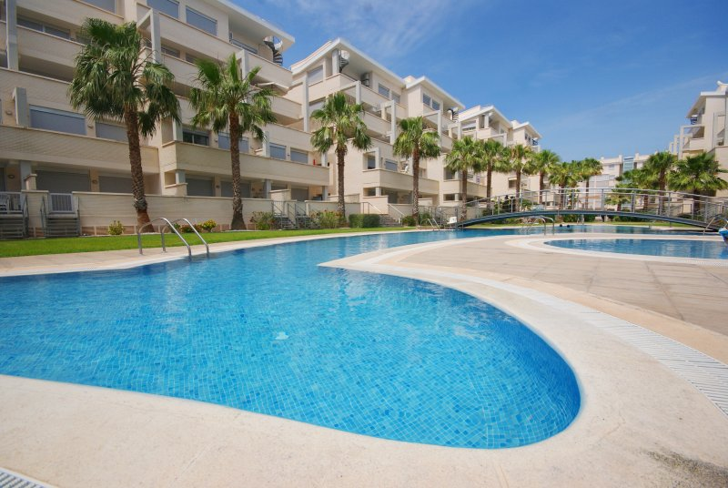 V7. Piso 2 habitaciones - Elegance, holiday rental in Denia