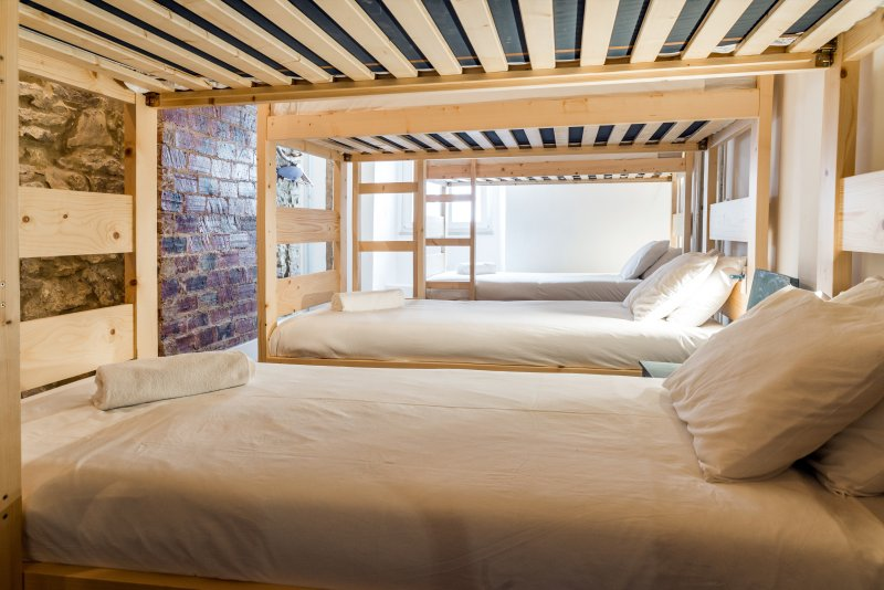 The Surf Embassy Hostel, vacation rental in Peniche