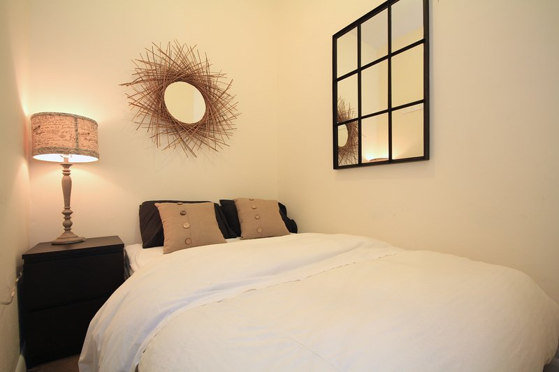 Furnished Cozy 2BR in East Village, vakantiewoning in New York