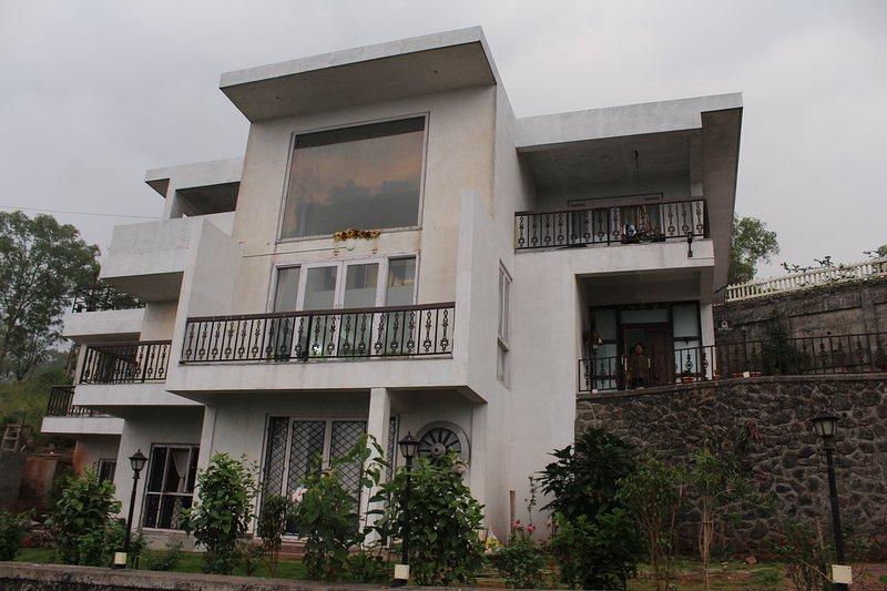 D B Villa 1, holiday rental in Panchgani
