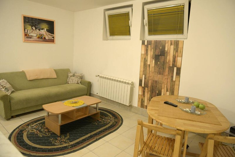 Green Apartment, holiday rental in Pancevo