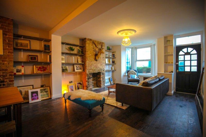 Eclectic Stylish 4 Bedroom Artist's Seaside home, location de vacances à Margate