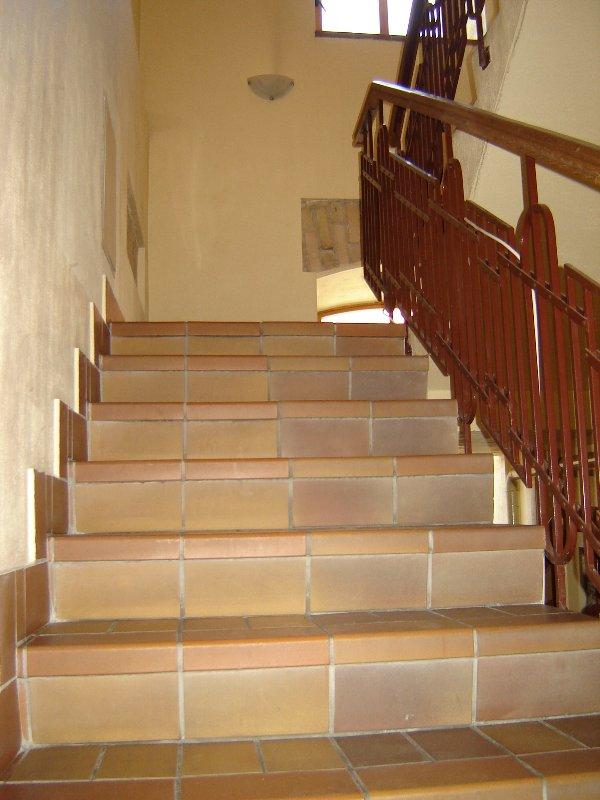 Gerenoveerd huis en trap