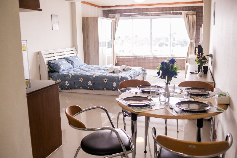 Nimman Road Condo Great mountain View 1 Bd/1Ba Near Doi Suthep, holiday rental in Chang Phueak