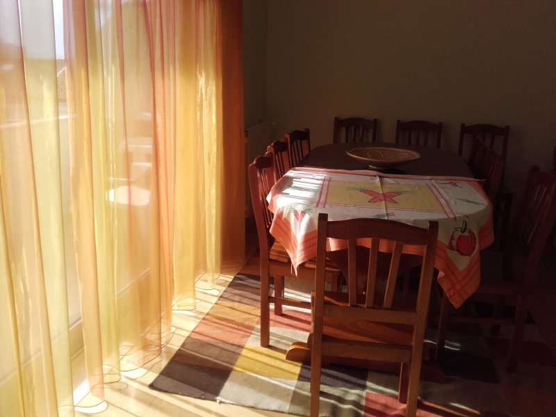 Spacious apartment with sea view, location de vacances à Mindelo