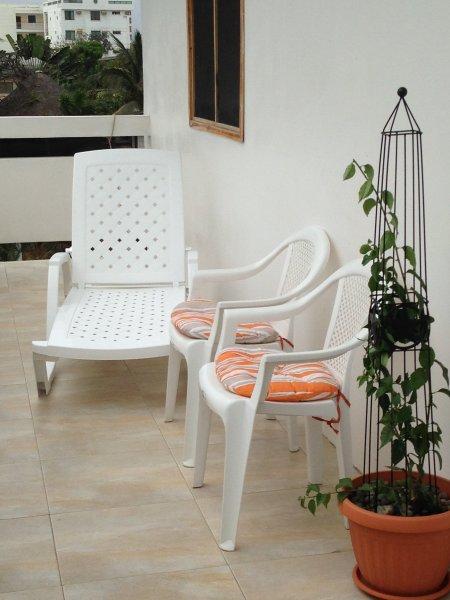 Third Floor Balcony condo, casa vacanza a Provincia di Guayas
