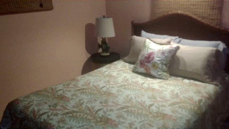 Cottage, spaziosa camera da letto con materasso di qualità cuscino topper