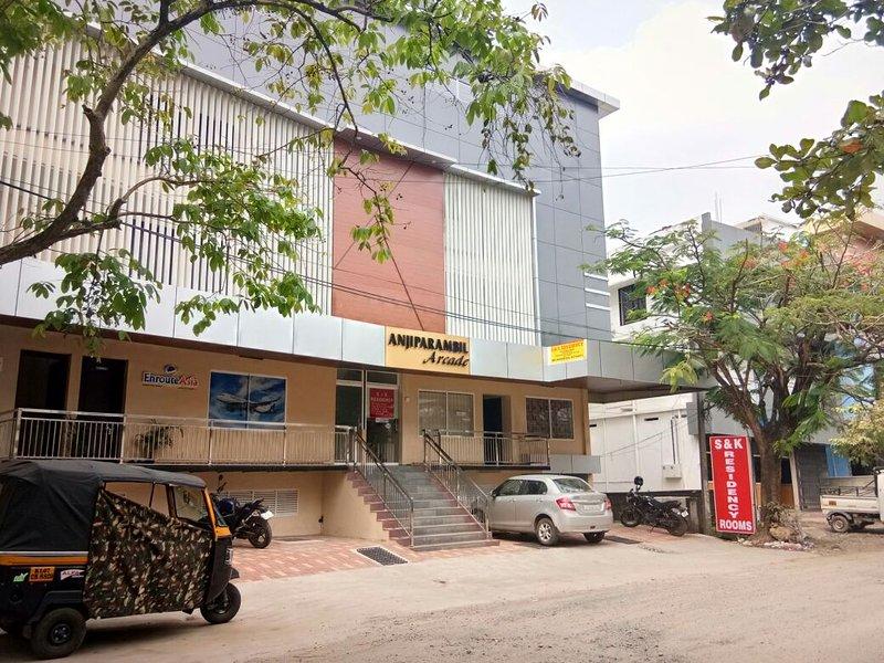 Daily Rental - Third floor Bedroom 7, holiday rental in Maradu