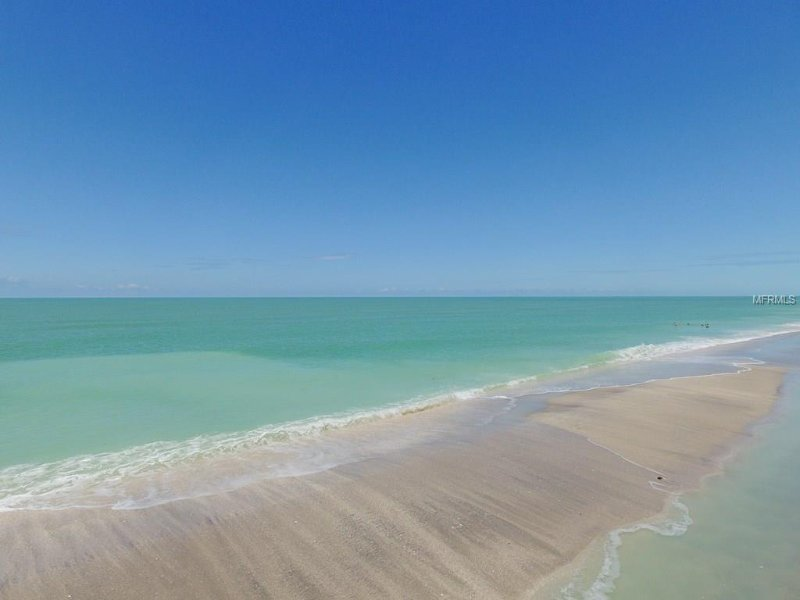 Beautiful Gulf of Mexico -- Yours to be Walked Upon. No Need to Fight the Crowds! Private Access.