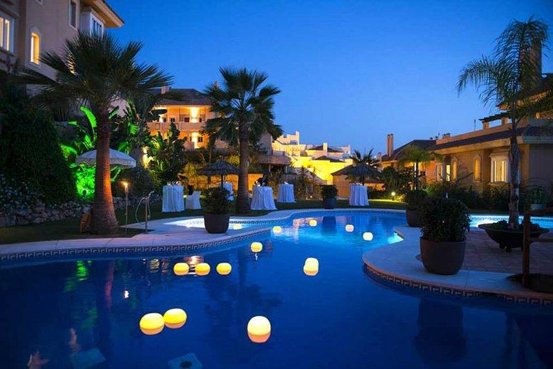 R Award Winning Aloha Hill Club 5★ Resort Near Puerto Banus, Marbella & Beaches, vacation rental in Istan