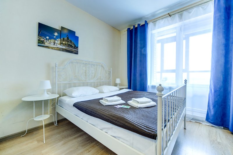 SutkiPeterburg Studio Apartment near subway, location de vacances à Kurortny District