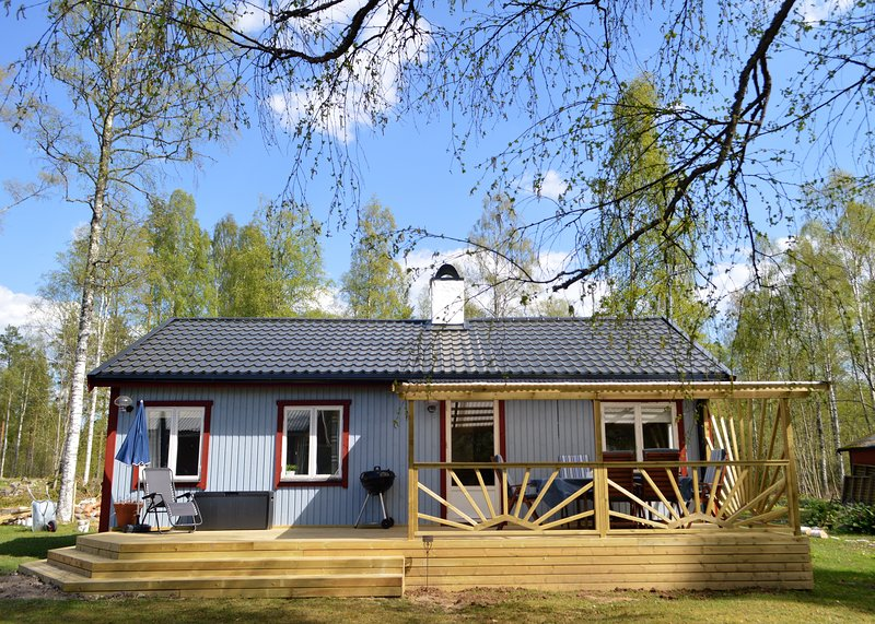K45 Delightful renovated cottage offers attractive and comfortable accommodation – semesterbostad i Bergby