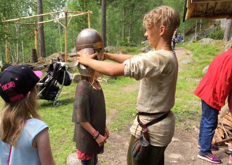 K43 Stewart Cottage - På Årsunda Viking kan du spela Viking spel, prova kostymer mm