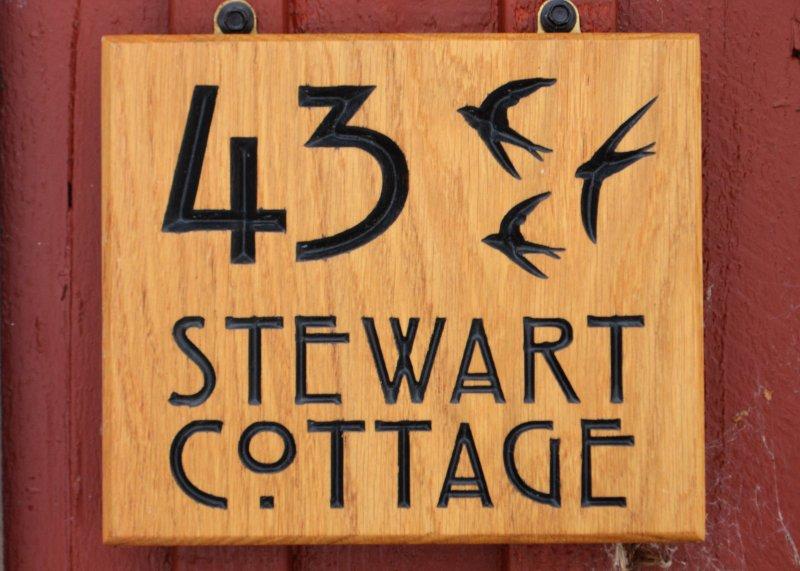 K43 Stewart Cottage - Entrance Sign