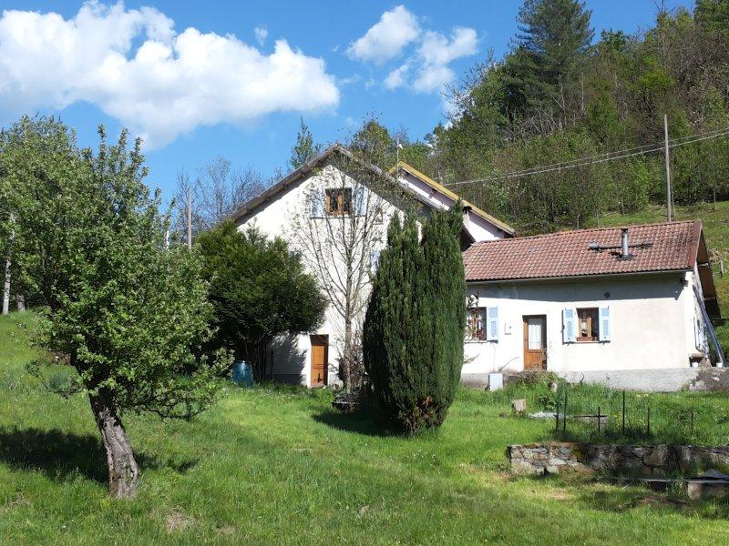 La Scellana relax e natura, B&B rurale sul fiume, location de vacances à Sassello