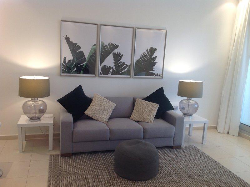 Espaçoso e luminoso, sala de estar