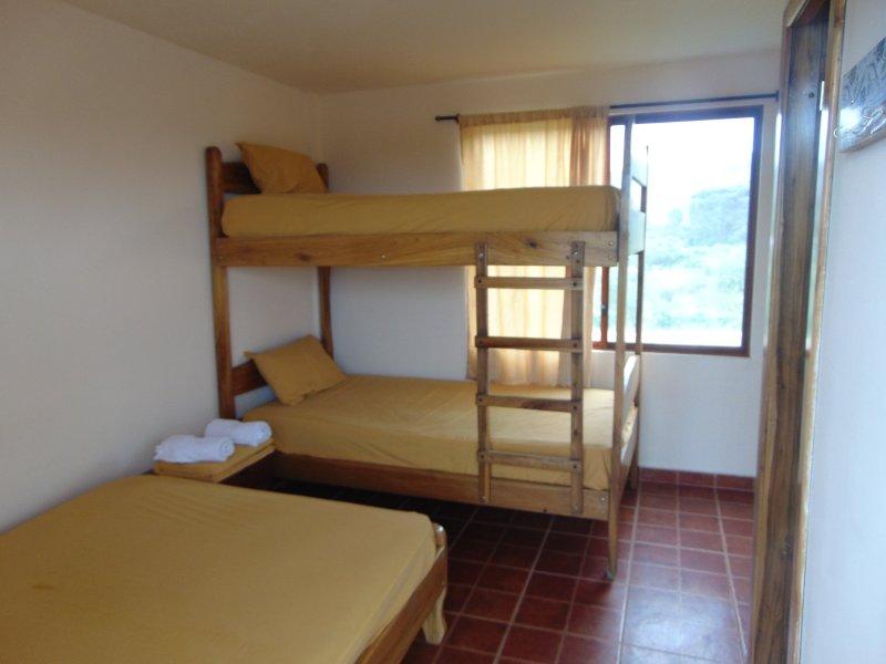 HABITACIONES CANOA, holiday rental in San Vicente