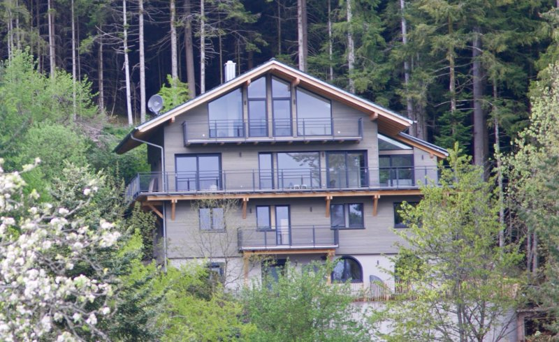 Wohnungen oder ganzes Haus, Alleinlage mit phantastischem Talblick und Garten, vacation rental in Alpirsbach