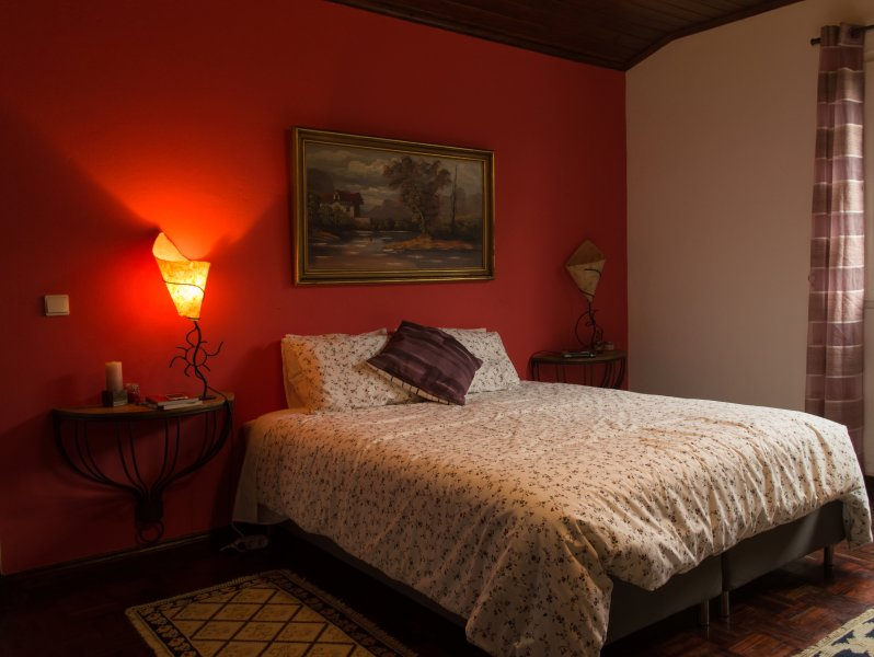 Dormitorio principal cama de matrimonio
