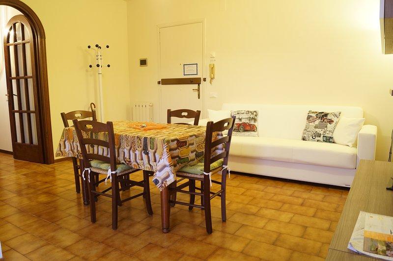 Appartamento Trilocale Simon, holiday rental in Mezzana-Colignola