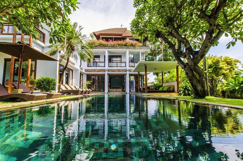 4 camera da letto con vista nel verde direttamente alla piscina beach.Outdoor e garden.Ready per le vacanze?