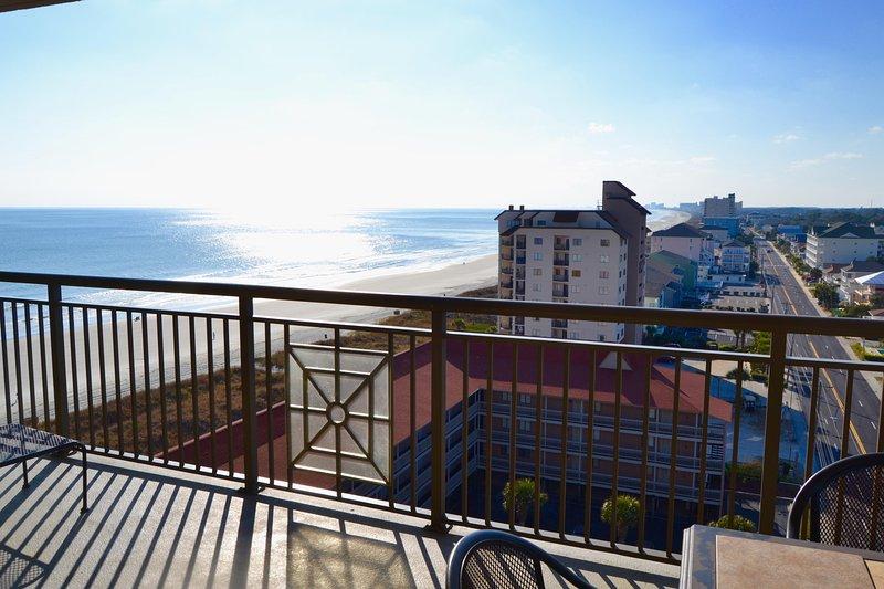 Grande balcone, Tramonti, oceano e vista sulla città