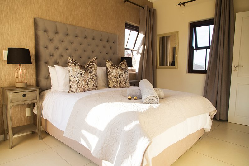 Seventeen Whale Rock Gardens - Self Catering Holiday Apartment, holiday rental in Plettenberg Bay