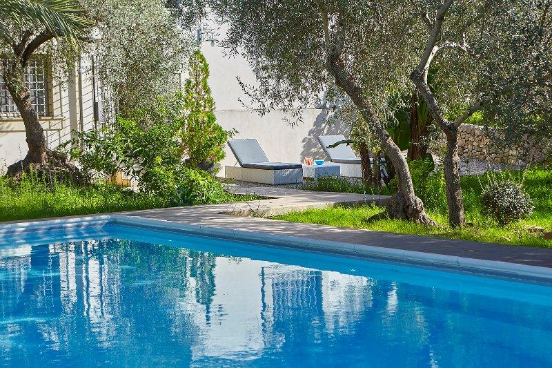 Casale Laghia con piscina, Modica, vacation rental in Frigintini
