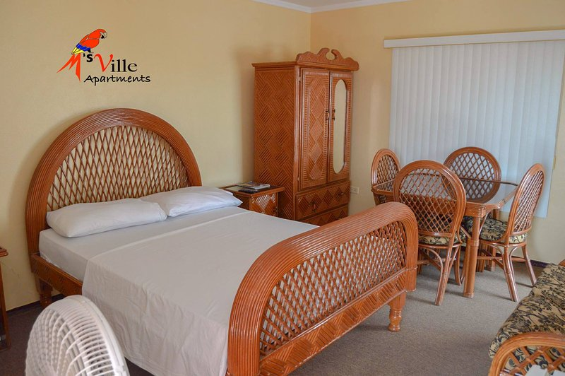 M's Ville Apartments, holiday rental in Georgetown