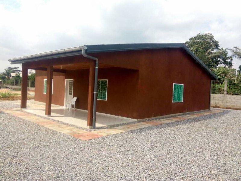 Magnifique villa dans un cadre  tranquille  et reposant, alquiler de vacaciones en Yaounde