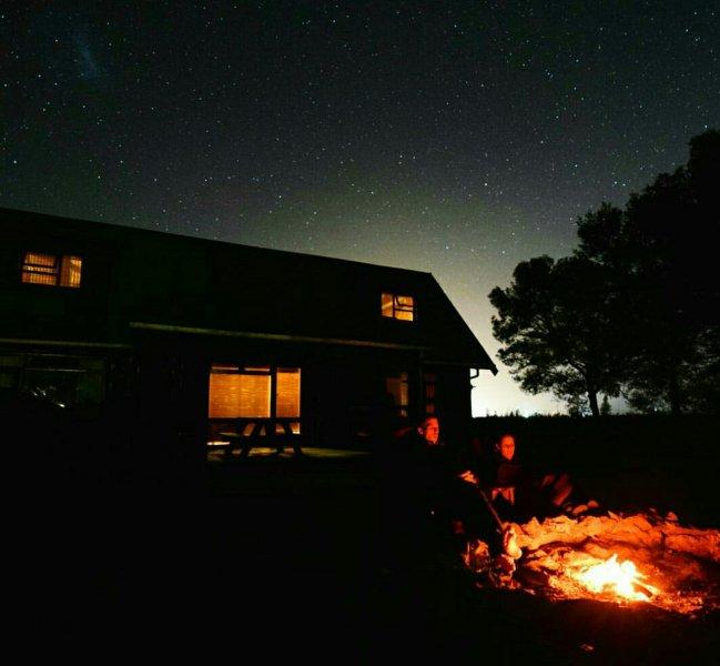 A Log Home At Buffalo Creek, location de vacances à Overberg District