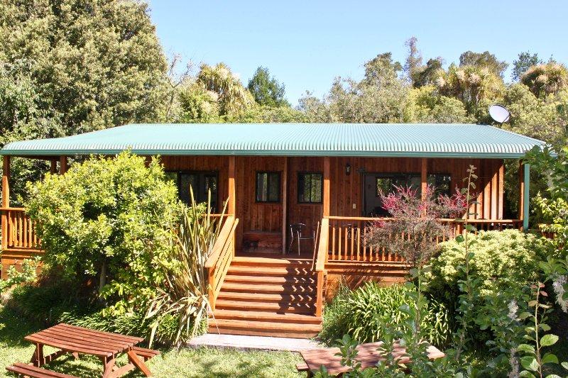 Organic Orchard Farmstay, holiday rental in Nelson-Tasman Region