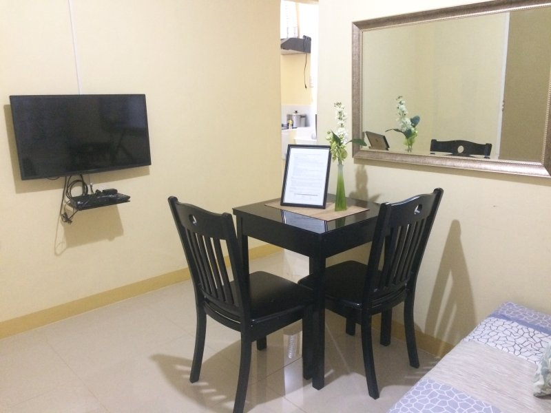 Short Term Rental - Apartment in Taguig, holiday rental in Taguig City