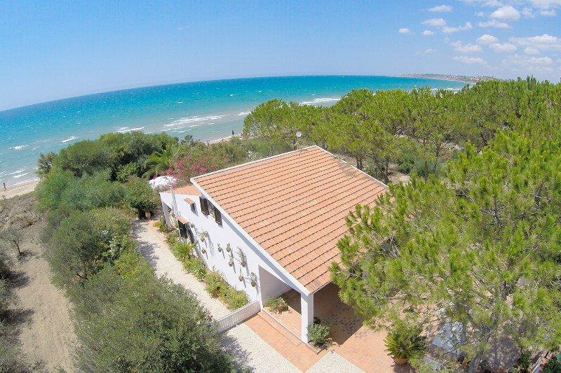 House of Luli on the sea, Lido Fiori Menfi, alquiler de vacaciones en Menfi