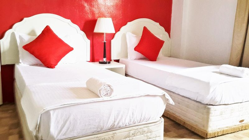 Sun Stay (Basic Twin), vacation rental in Seberang Jaya