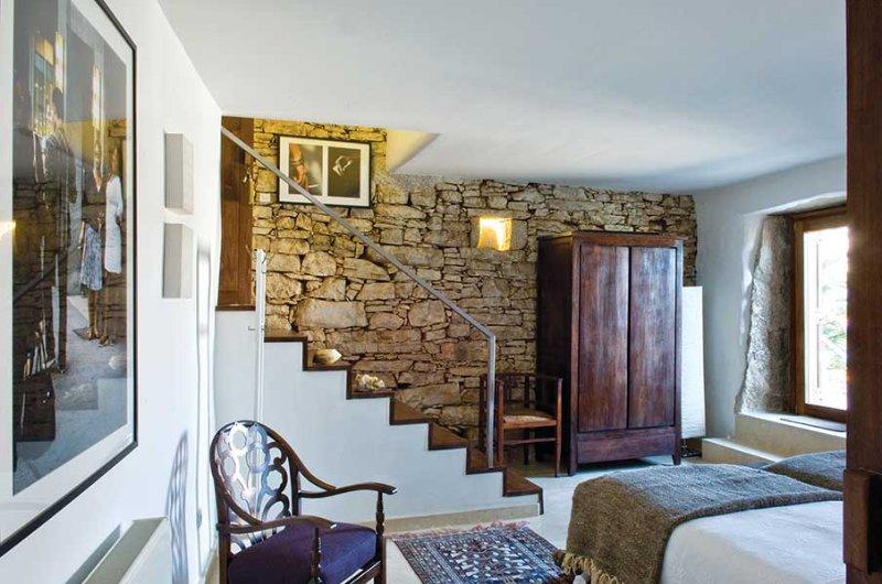 Villa Pedra | Walnut-Tree House, holiday rental in Penela