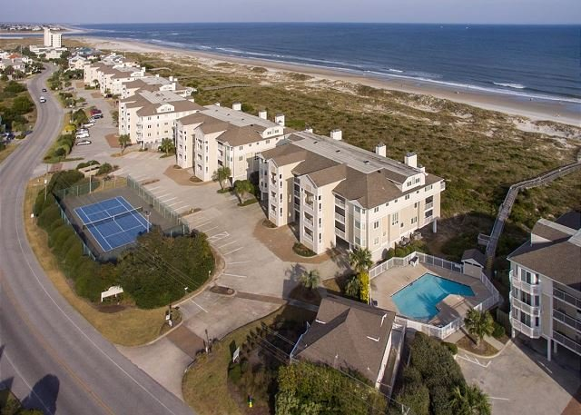 Coastal style condo nestled in the dunes at the north end, holiday rental in Ogden