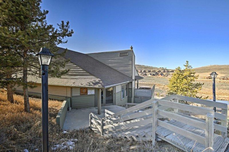 Kalla denna lägenhet ditt Granby Ranch hem-away-from-home.