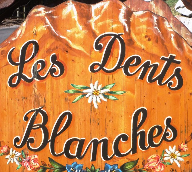 Welcome to Les Dents Blanches ...