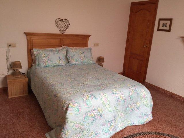 Rymligt sovrum med flexibilitet dubbla göra till vardagsrummet