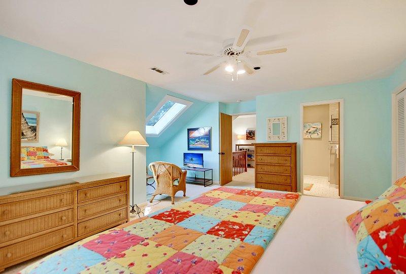 king bedroom, second flor looking toward TV nook and hallway