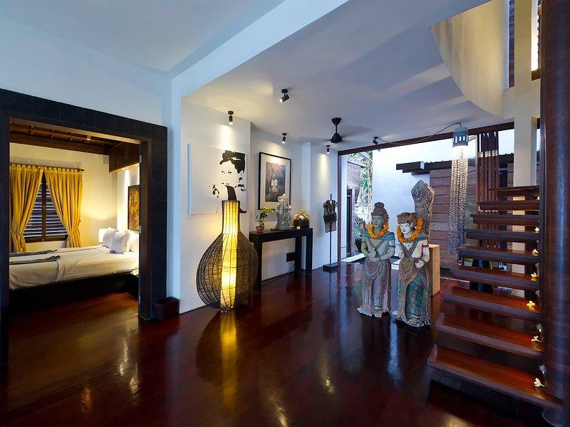 Maya - Escaleras al dormitorio principal