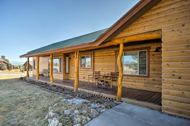 The property is close to the San Juan River and The Springs Resort and Spa!