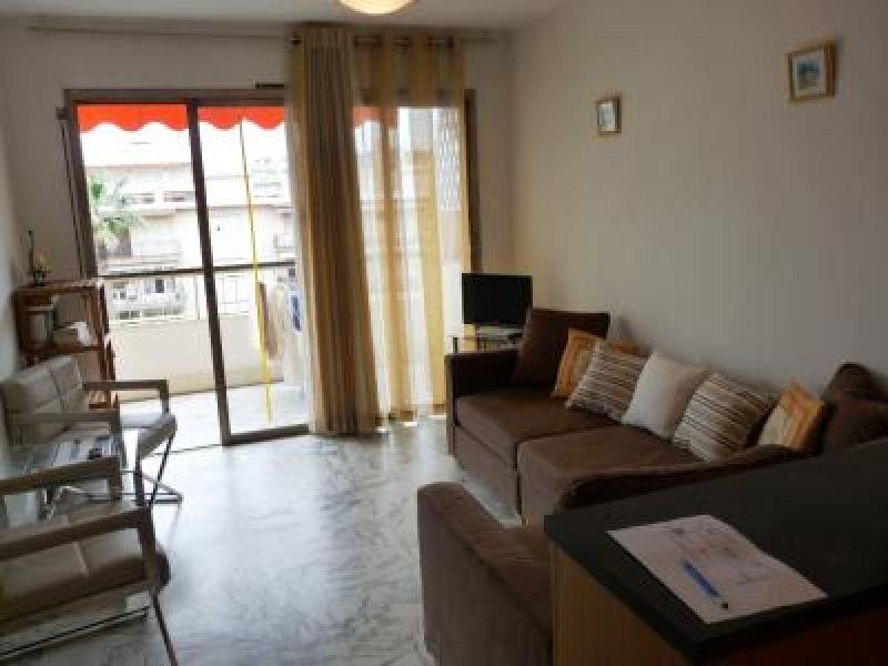 Chambre agréable salon avec accès direct à la terrasse