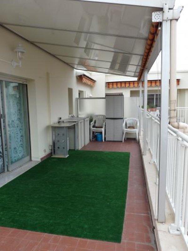 Une autre vue de la grande terrasse