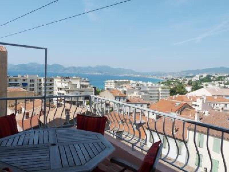 Plus de la vue sur la terrasse
