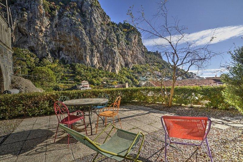 Amalfi Villa Sleeps 4 with Air Con - 5229079, holiday rental in Amalfi