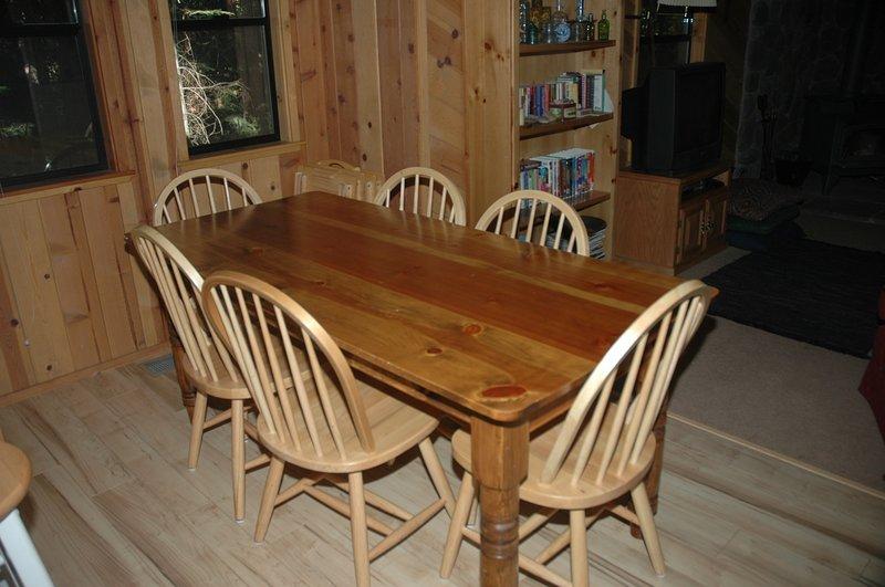 Keeth Cabin-Dining Area